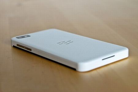 smartphone blackberry z50 se ra mat vao dau nam sau - 1