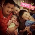 Làng sao - Bảo Nam hạnh phúc bên cha dượng và em gái