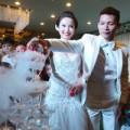 Làng sao - Trưởng nhóm Big Toe lấy vợ lệch 20 tuổi