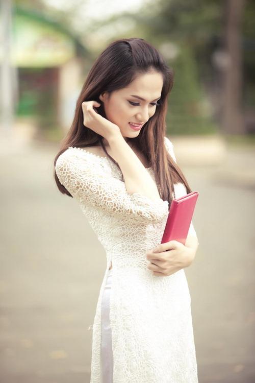 huong giang idol tinh khoi trong ta ao dai trang - 5