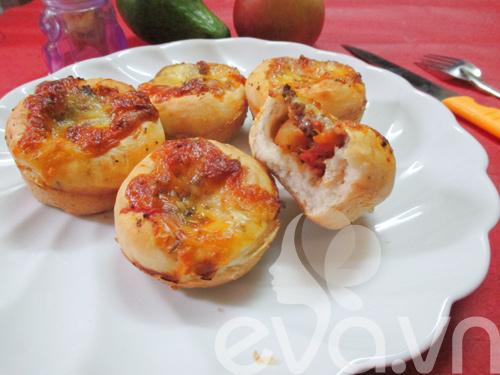 thu lam banh pizza cupcake nao! - 15
