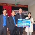 Làng sao - Thu Minh tặng 2 tỷ đồng cho người dân bị lũ lụt