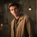 Xem & Đọc - Liam Hemsworth tái ngộ khán giả Việt với Catching fire