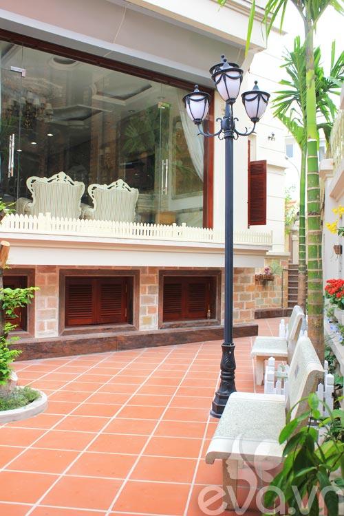 khoe nha: 145m2 long lanh dep kieu phap - 3