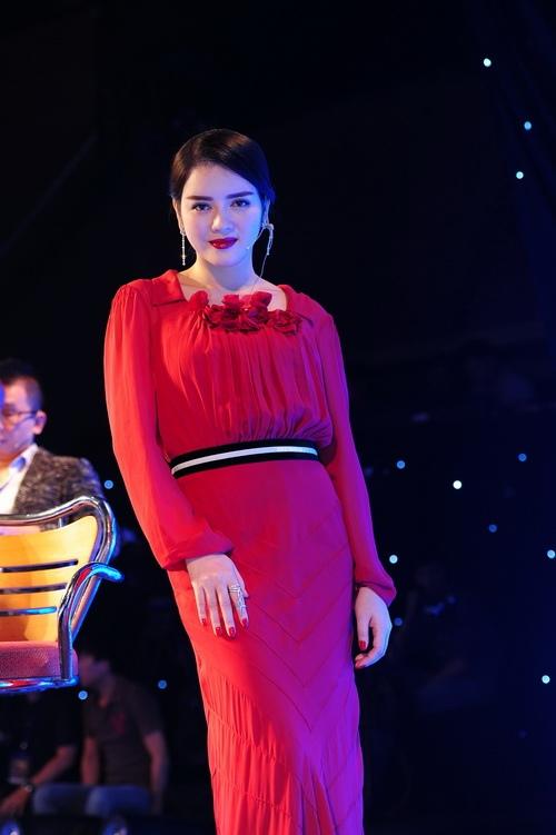 hoàng yén rạng ngòi mạc scandal 'lùa tình' - 16