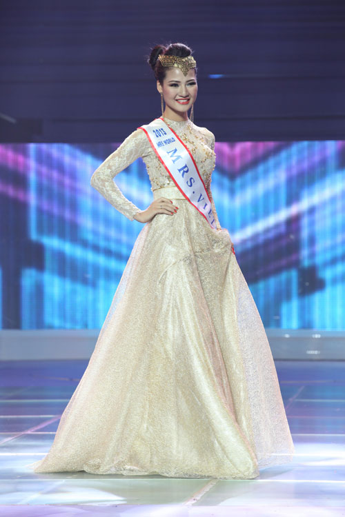 tran thi quynh lot top 6 mrs world 2013 - 15