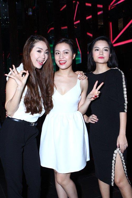 hoang thuy linh: dong phim khong phai vi on nghia - 11
