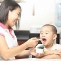 Làm mẹ - Lỗi đáng trách khi cho con ăn sữa chua