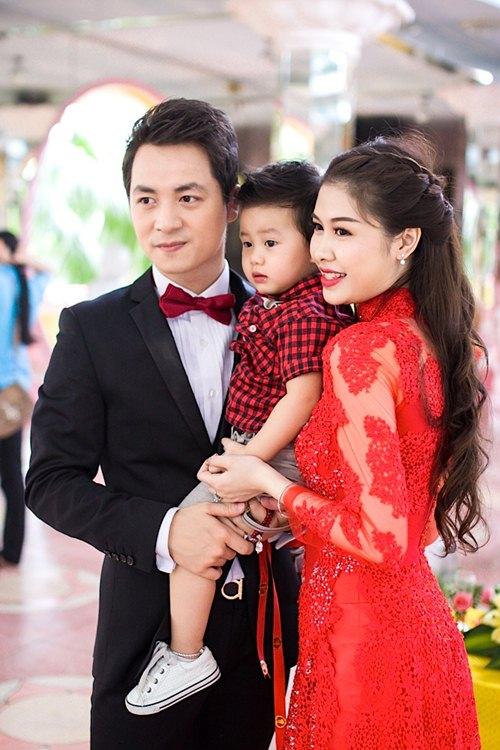 vo chong dang khoi lam hon le theo dao phat - 2