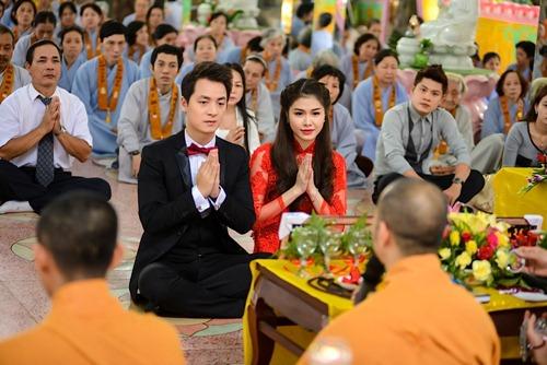 vo chong dang khoi lam hon le theo dao phat - 12