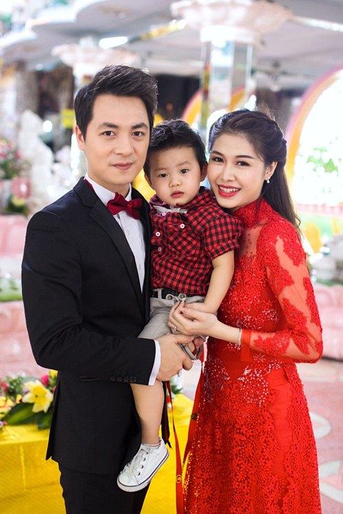 vo chong dang khoi lam hon le theo dao phat - 1