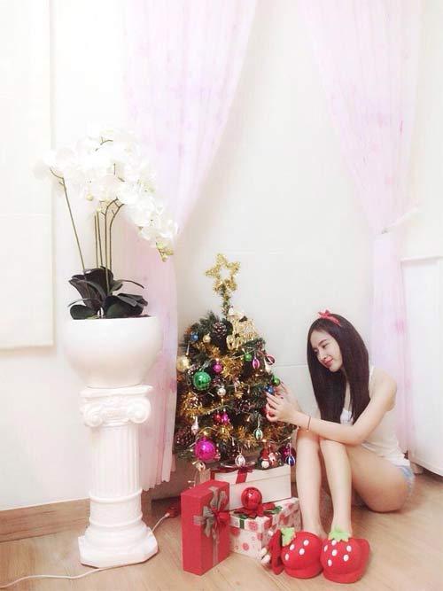 angela phuong trinh don giang sinh som tai nha - 1