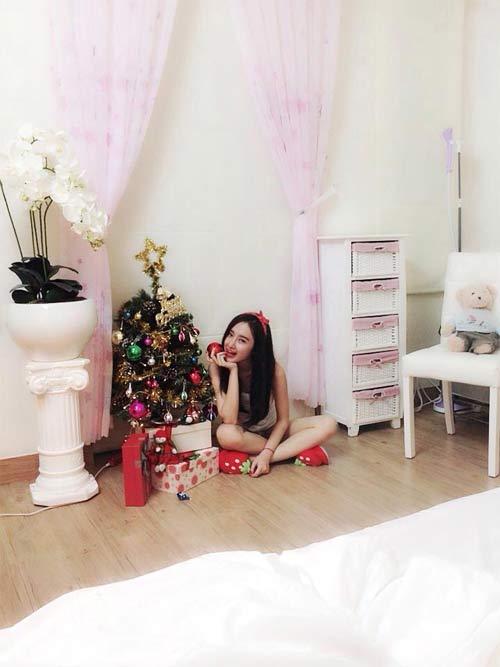angela phuong trinh don giang sinh som tai nha - 4