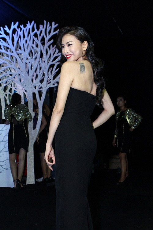 'cuọc chién' mỹ nhan tren thảm dỏ elle show - 10