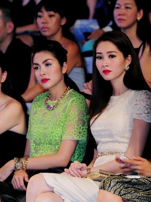 'cuọc chién' mỹ nhan tren thảm dỏ elle show - 19