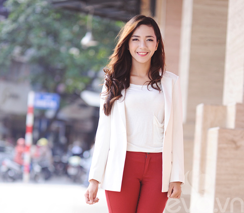 4 cach dien blazer trang thanh lich ngay dong - 12