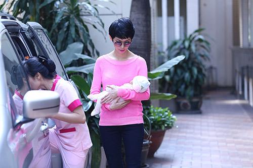 xuan lan lan dau lo dien sau khi sinh - 11