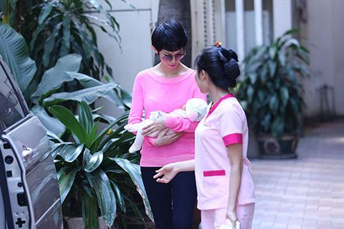 xuan lan lan dau lo dien sau khi sinh - 8