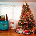 Nhà đẹp - 'Tô son điểm phấn' cây thông Noel rực rỡ