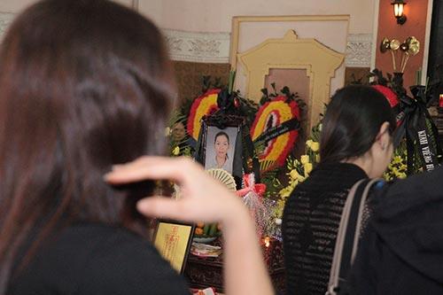 hai con trai gao khoc trong tang le chi huyen - 13
