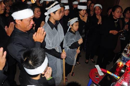 nguoi nha lap san mo phan cho thi the chi huyen - 1