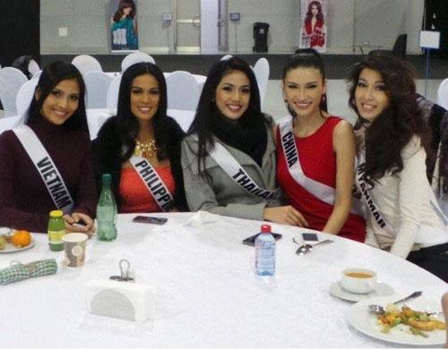 5 chuyen xuat ngoai dinh dam cua sao viet 2013 - 19