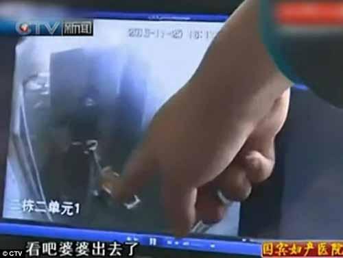 video hot trong tuan: be 4 tuoi choi trong dieu luyen - 1