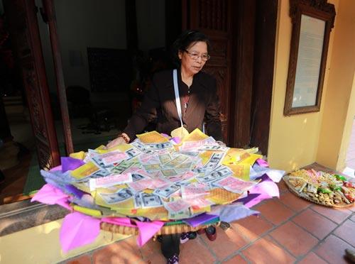vu cat tuong: dua di anh chi huyen len chua kim lien - 1