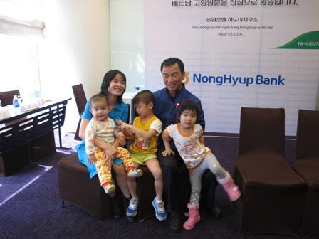 lay chong ngoai quoc: tet xa xu day nuoc mat - 1
