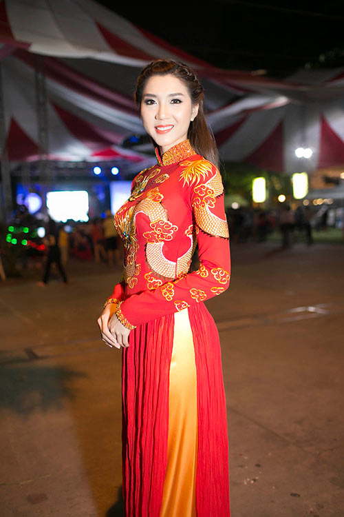 "khanh my ""do"" ao dai long phung voi ngoc quyen - 3"