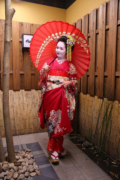 ngo ngang ngam a hau thuy van hoa geisha - 1