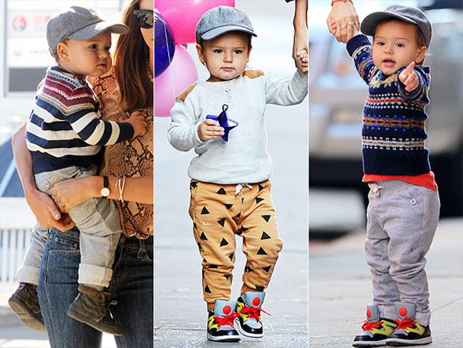 Flynn có lẽ là cậu nhóc được săn đón nhiều nhất cuối năm 2013. Là con trai của cặp đôi nổi tiếng Miranda Kerr và Orlando Bloom, cậu bé trở thành cái tên ho gây chú ý. Đặc biệt, thông tin cặp đẹp đôi này chính thức đường ai nấy đi khiến không ít người bàng hoàng và đặc biệt lo cho số phận của Flynn.