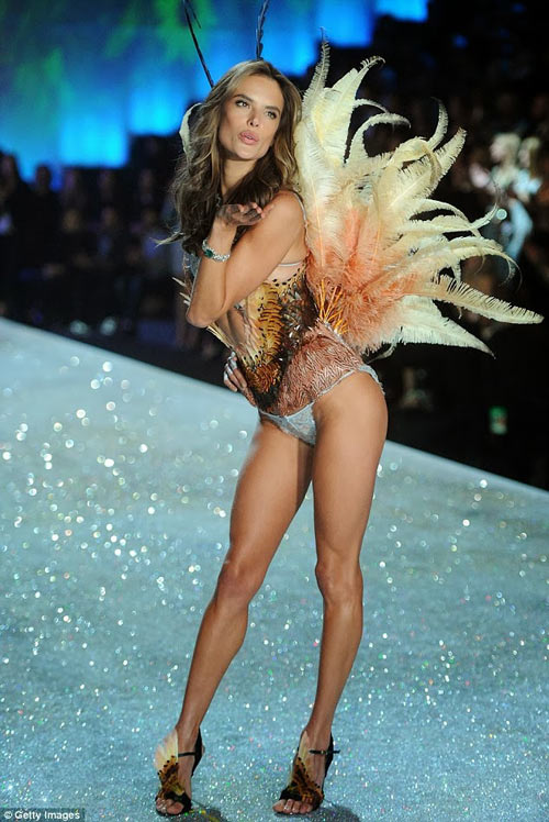 video: man nhan voi victoria's secret show 2013 - 8