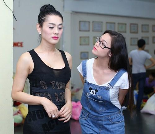 lam chi khanh tich cuc chuan bi cho liveshow - 1