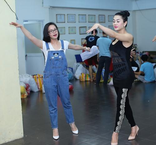 lam chi khanh tich cuc chuan bi cho liveshow - 12