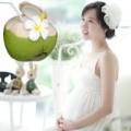 Bà bầu - Mới tí cấn thai đã uống nước dừa - 'Dại'!