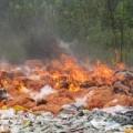 Tin tức - Tiêu hủy 1,5 tấn mực xé sợi giả cháy như cao su