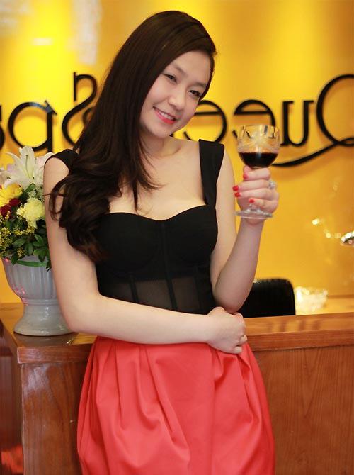 3 hot girl 'bi an' xinh dep nhat 2013 - 12