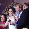 Vợ chồng Ngô Phương Lan nâng ly mừng hạnh phúc