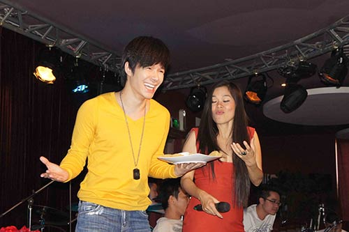 "my le, nathan lee chuan bi hoa ""tinh nhan"" - 2"