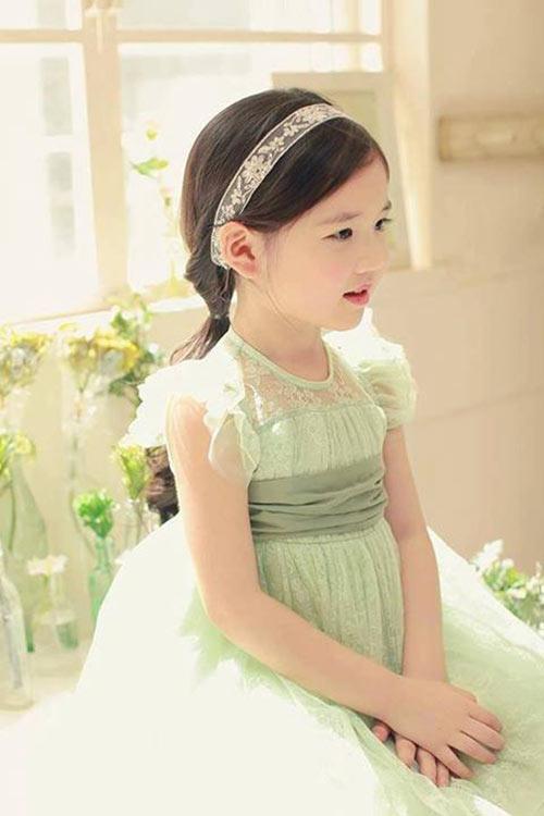 1387079517 1097947 611678582186308 1308627686 n Khó lòng chớp mắt trước bé Hàn lai đẹp hơn tiên nữ