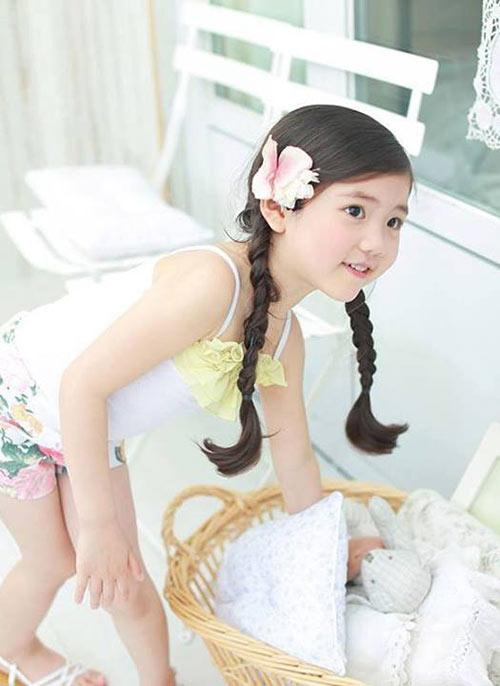 1387079517 1185991 611678372186329 339560410 n Khó lòng chớp mắt trước bé Hàn lai đẹp hơn tiên nữ
