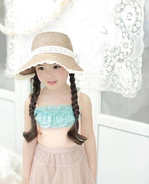 1387079517 1237018 611678318853001 1634037505 n Khó lòng chớp mắt trước bé Hàn lai đẹp hơn tiên nữ