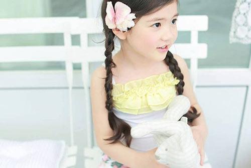 1387079517 533755 611678452186321 2038525947 n Khó lòng chớp mắt trước bé Hàn lai đẹp hơn tiên nữ