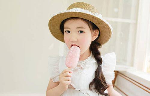 1387079517 577278 611678705519629 366624937 n Khó lòng chớp mắt trước bé Hàn lai đẹp hơn tiên nữ