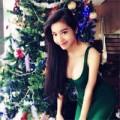 """Làng sao - Elly Trần khoe vóc dáng """"đồng hồ cát"""" đón Noel"""