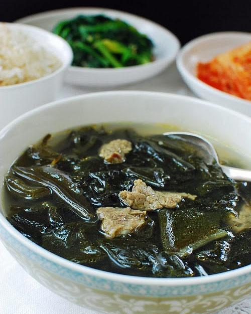 Canh thịt bò rong biển hương vị Hàn - 4