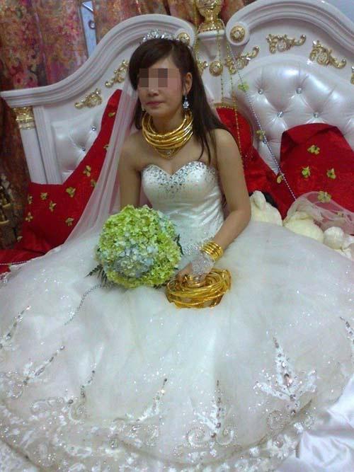 Top đám cưới kì lạ nhất năm 2013 - 9