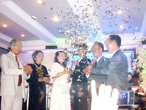 Top đám cưới kì lạ nhất năm 2013 - 5