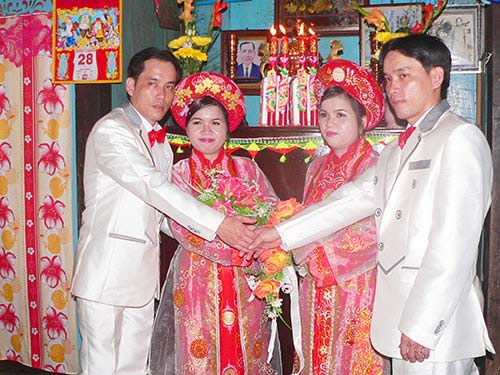 Top đám cưới kì lạ nhất năm 2013 - 2